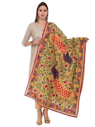 A girl wearing  Opulent Dupatta